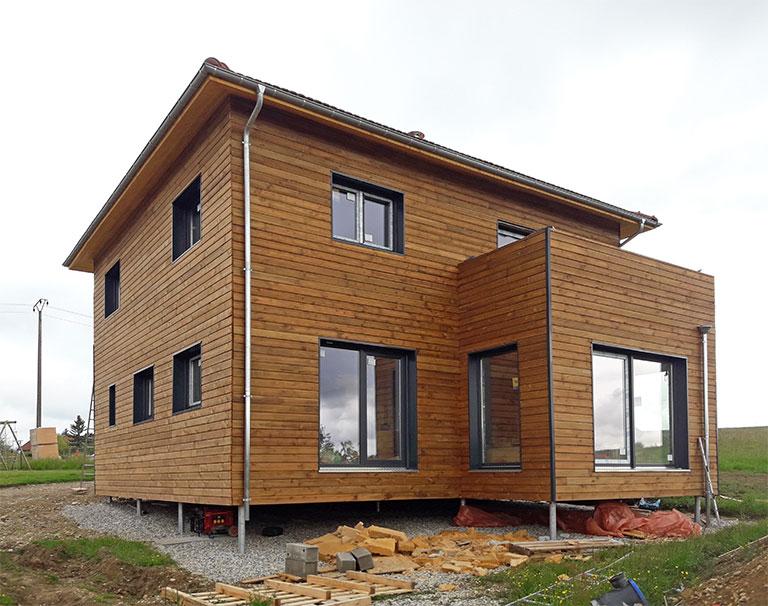 Maison bois sur pieux